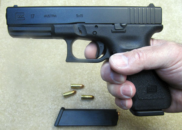 Full Size Glock 17 9mm Pistol