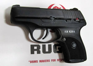 Ruger LC9 with flat magazine plate